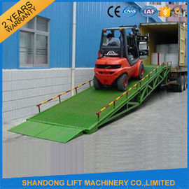 China Mobile Hydraulic Adjustable Container Loading Ramps with 0.9m - 1.8m Lifting Height supplier