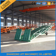 China Hand Pump Container Loading Ramps with  Heavy Duty Formed Steel Side Girders supplier
