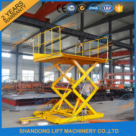 China 600KGS 2M Warehouse Hydraulic Cargo Scissor Lift with Movable Wheels supplier