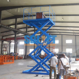 China Blue Color Hydraulic Freight Elevator Goods Lift For Warehouse , 2 Years Warranty supplier