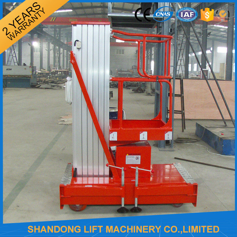 Hydraulic Material Lift : Mobile hydraulic aerial work platform lift with high