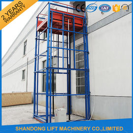 China Outdoor Freight Hydraulic Cargo Lift with 3500kg Lifting Capacity 7 m Lifting Height distributor