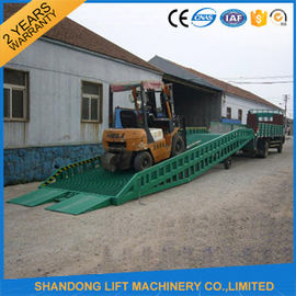 China Adjustable Hydraulic Portable Loading Ramps for Trucks ,  Storage Container Ramps  distributor